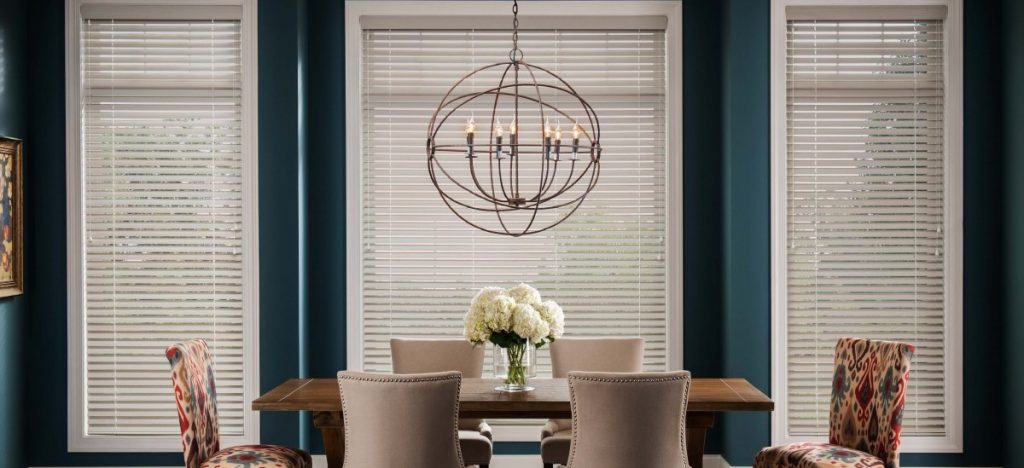 calssic-white-wooden-blinds
