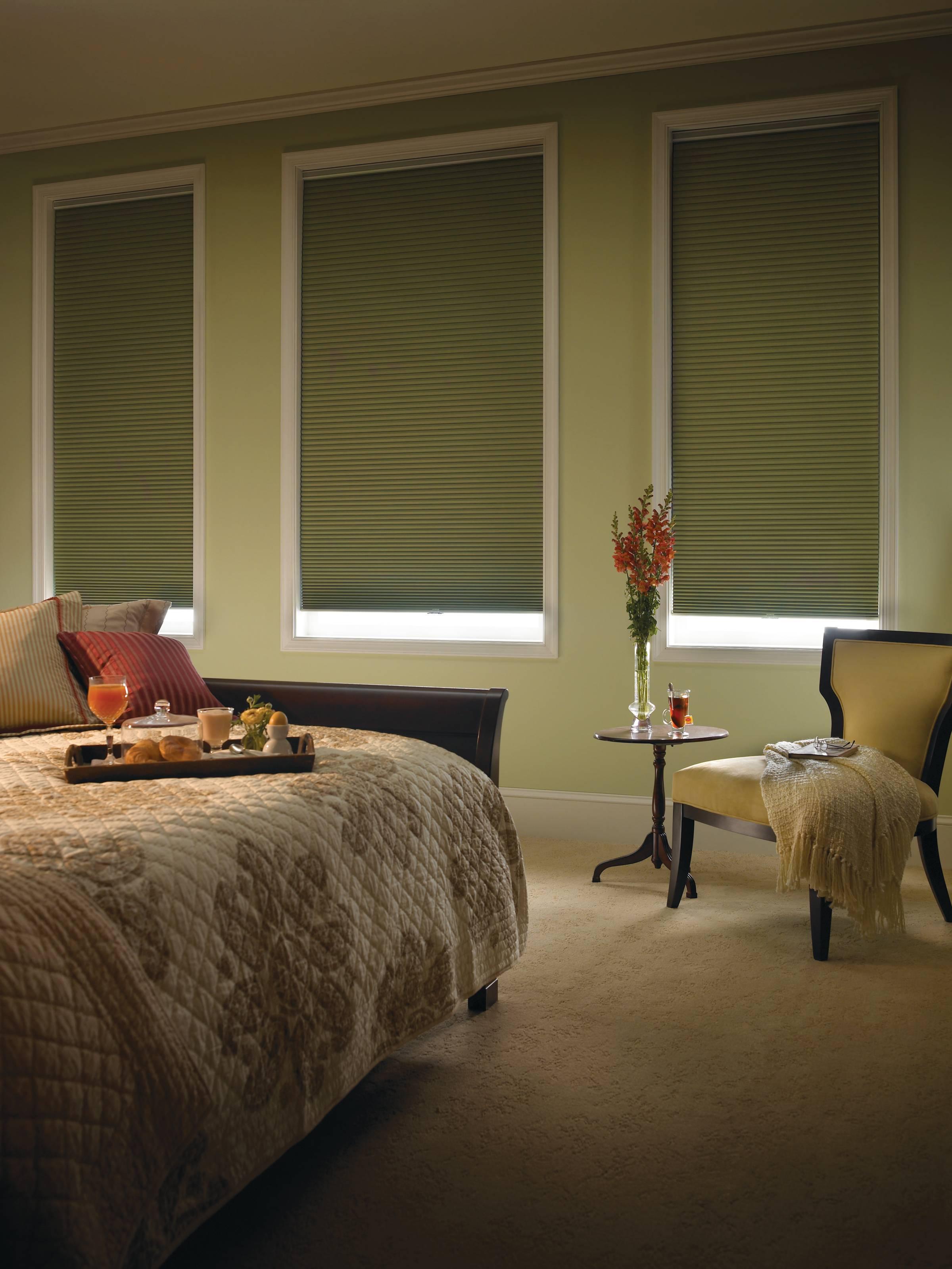comfortex-virtuoso-blackout-bedroom