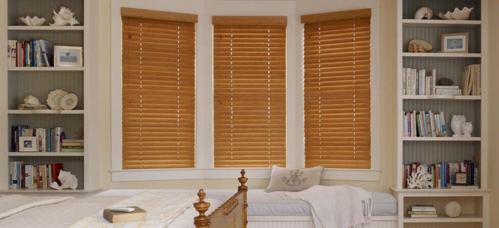 bedroom-wood-blinds-light-maple-002